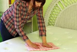 Как почистить матрас самостоятельно?